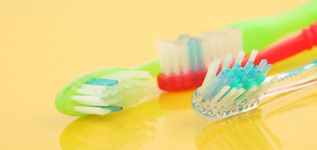7 dicas de como convencer seu filho a escovar os dentes