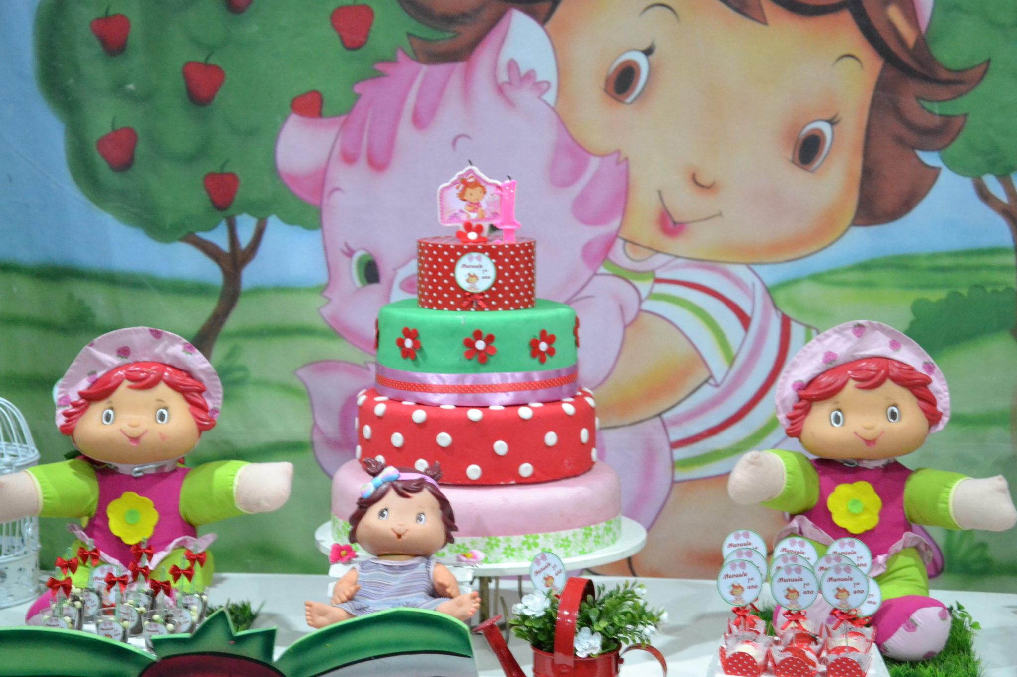 Festa de menina no tema Moranguinho Baby