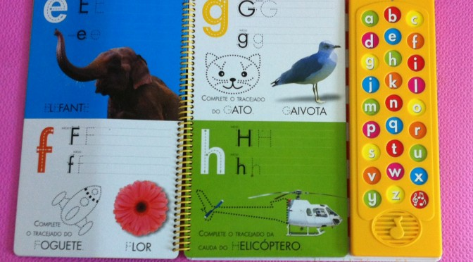 O livro infantil do ABC que faz sucesso aqui em casa