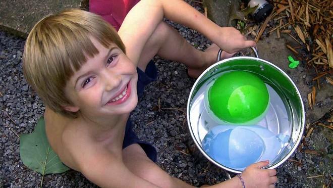 Como ensinar seu filho a economizar água e preservar o planeta
