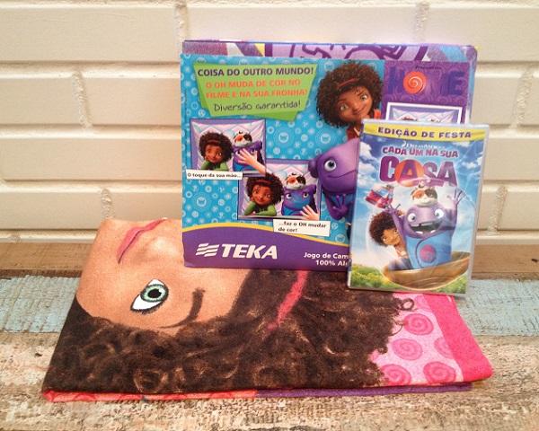 DVD, toalha de praia e jogo de lençol