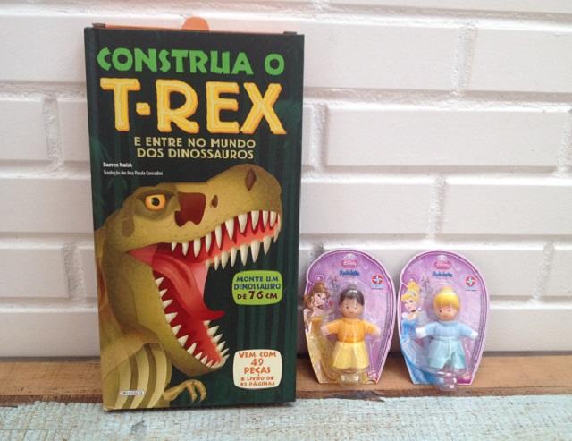 Livro construa o rex e fofoletes