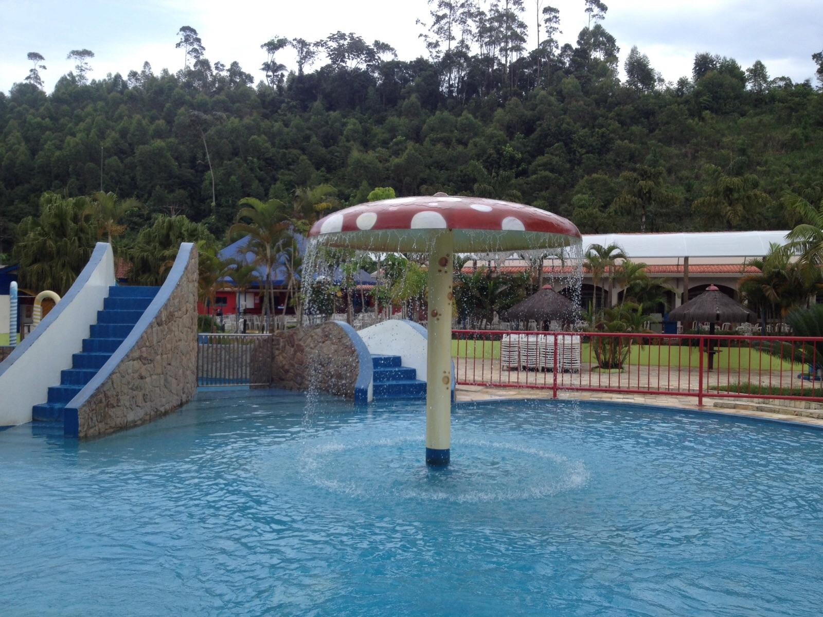 Uma das piscinas infantis do Magic City