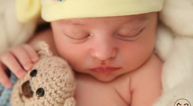 Como dar leite materno no copinho (mães que voltam ao trabalho)