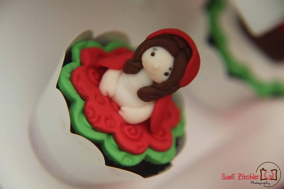 Cupcake personalizado para festa no tema Chapeuzinho Vermelho