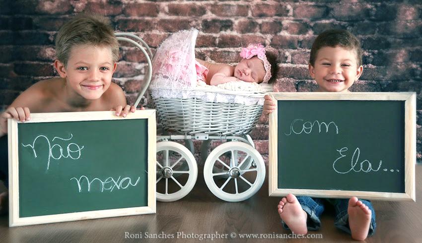 Ensaio fofo com os irmãos e a irmã mais nova. Foto: Roni Sanches