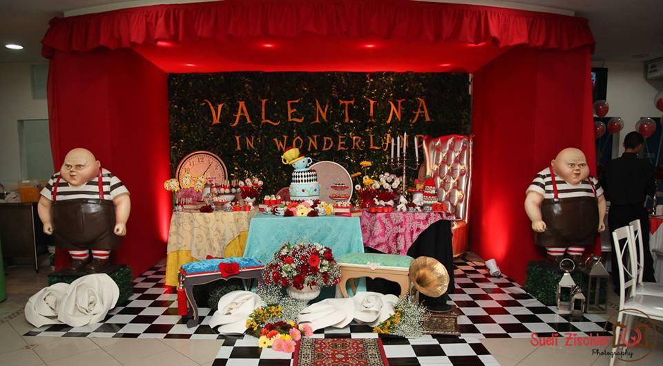 Decoração de festa de menina no tema Alice no País das Maravilhas