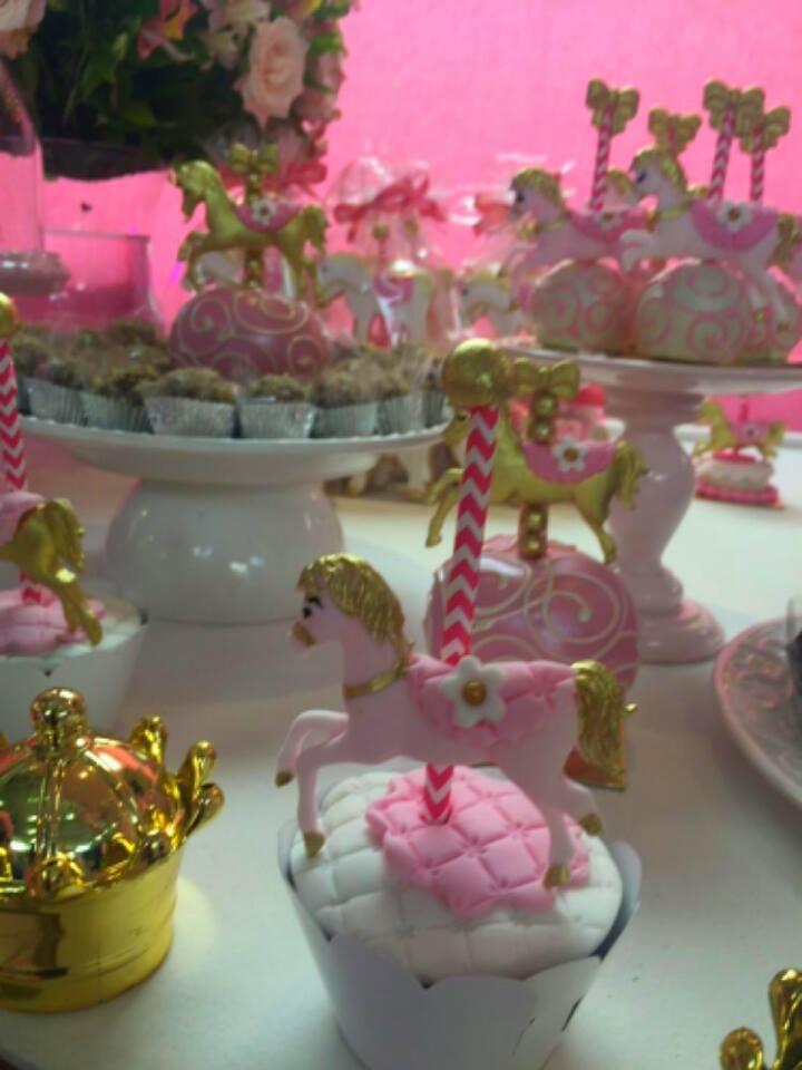 Festa de menina Carrossel da Katia Cakes