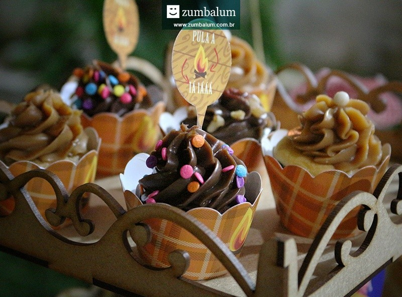 Papelaria para cupcake personalizada no tema festa junina infantil