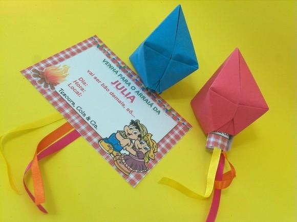 Convite Festa Junina do Elo7 com balões de dobradura
