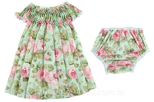 Vestido infantil com bordado casinha de abelha com calcinha coordenada (com estampa floral)